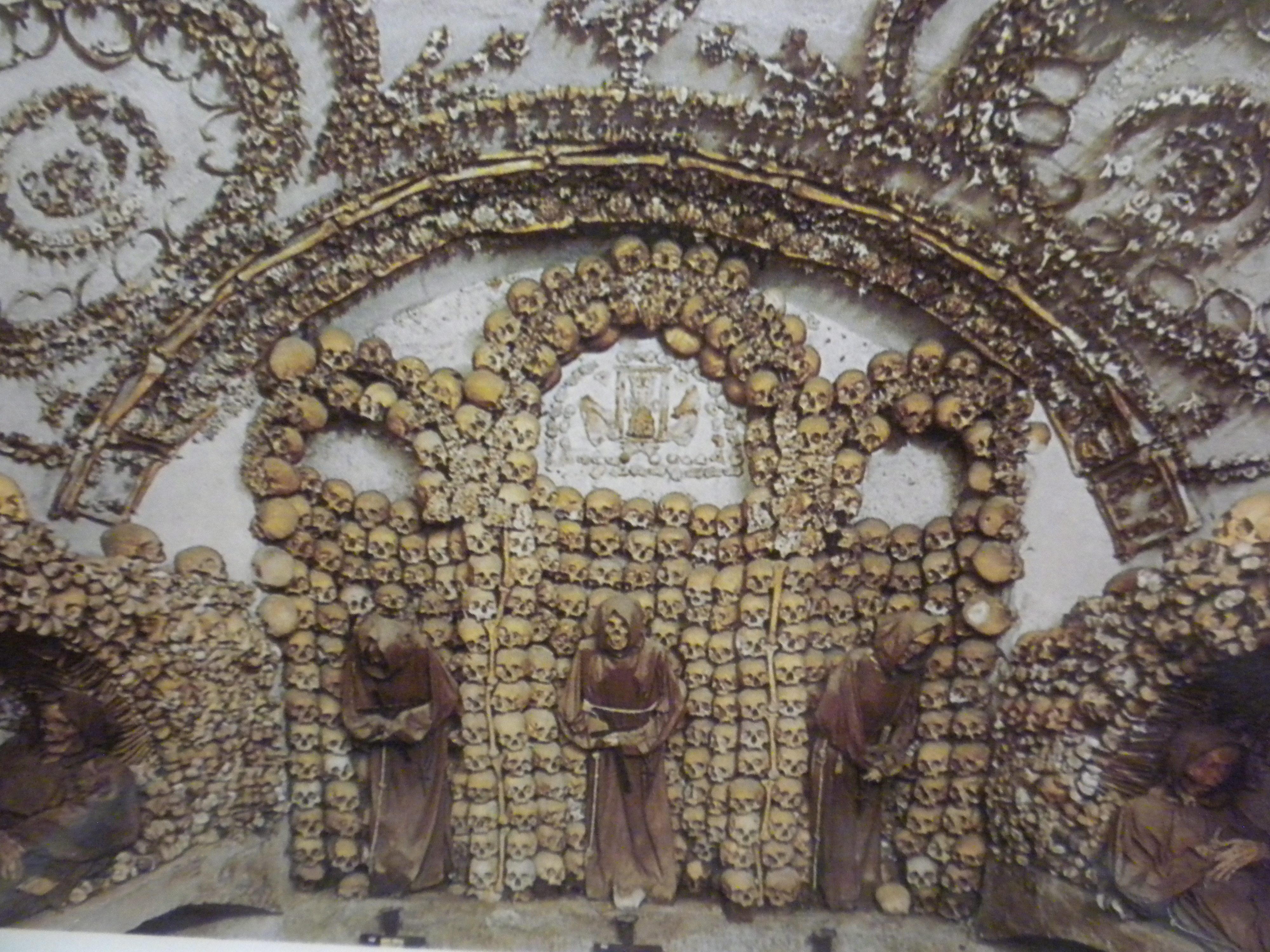 Decorating A Small Home Crypts And Catacombs Much More Muchier